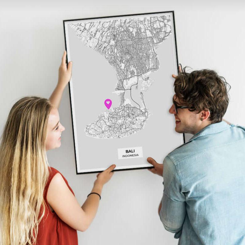 couple avec poster personnalisé